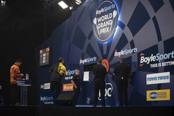 Gabriel Clemens beim World Grand Prix 2020 (Bild: Lawrence Lustig/PDC)