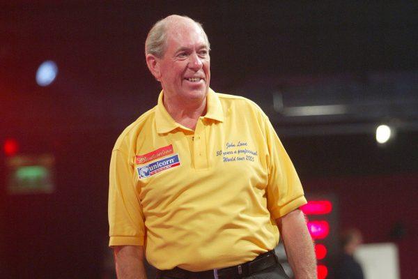 John Lowe prägte den Dartssport über Jahrzehnte und wurde dreimal Weltmeister (Bild: pdc.tv)