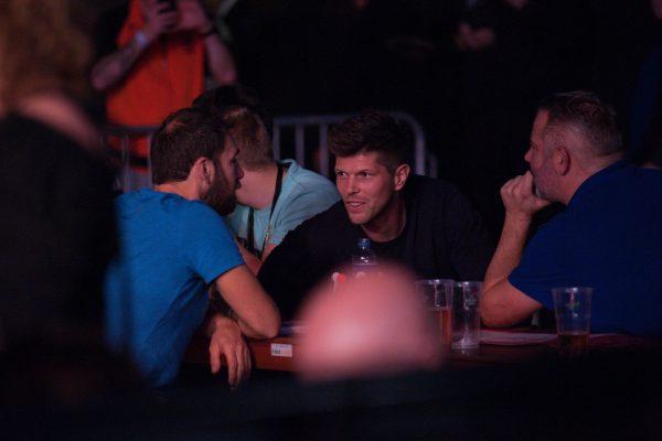 Auch der niederländische Fußballstar Klaas-Jan Huntelaar konnte sich die WSoD Finals 2019 nicht entgehen lassen (Bild: Kelly Deckers/PDC Europe)
